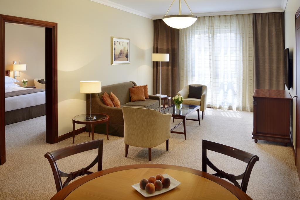 Mövenpick Hotel Bur Dubai 5*